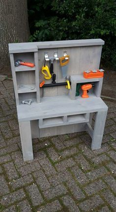 Kids workbench Kids tool bench Kids playroom Kids furniture Diy for kids Kids bedroom - Workbench for children to build themselves l Great gift l Bright children's eyes l Peyton's little work ben - Small Workbench, Kids Workbench, Woodworking Workbench, Woodworking Crafts, Workbench Stool, Garage Workbench, Industrial Workbench, Workbench Designs, Folding Workbench
