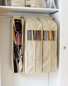 アイデアグッズなどで綺麗に!かさばりがちなバッグの収納7選