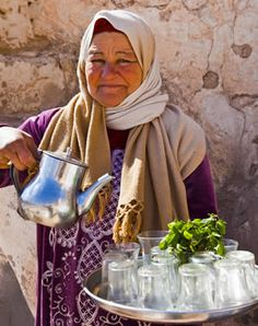While touring Morocco for National Geographic, Steve Snapp and his group were halted by a woman inviting them to #tea with the village elder, who had spotted them from a rooftop. Article and image via classicjourneys.com.