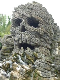 Awesome Places and Things See - buzz Bee Mother Earth, Mother Nature, Beautiful World, Beautiful Places, Dame Nature, Rock Formations, Natural Phenomena, Stone Art, Natural Wonders