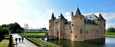 Muiderslot Castle near Amsterdam, Netherlands Eindhoven, Beautiful Castles, Beautiful Places, Around The World Ticket, Utrecht, Kingdom Of The Netherlands, Amsterdam Netherlands, Amsterdam Things To Do In, Medieval Castle