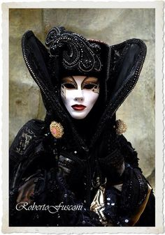 Absolutely Stunning Masquerade Carnival Mask & Outfit...