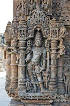 ✯Hindu Mandir (Temple) Carving at Sas-Bahu Temple at Eklingji - India Indian Temple Architecture, India Architecture, Ancient Architecture, Ancient Buildings, Beautiful Architecture, Ancient Art, Ancient History, Hindu Mandir, Amazing India
