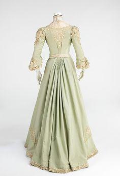 1903 ___ Promenade Dress ___ wool & silk ___ American ___ at The Metropolitan Museum of Art ___ photo 3