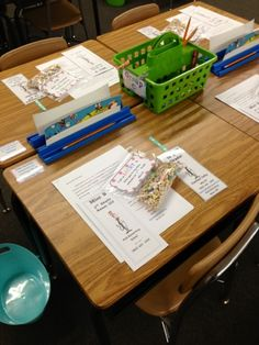 Seuss-perb Days in Grade!: Desk Setup for Open House Student Desks, Student Gifts, Desk Setup, Welcome Gifts, Beginning Of School, Classroom Decor, Classroom Management, Open House, Preschool