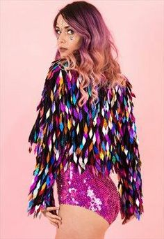 Rainbow Harlequin Queen Jacket A jacket full of color and f .- Rainbow Harlequin Queen Jacket Eine Jacke voller Farbe und funkelt für alle Rainbow Harlequin Queen Jacket A jacket full of color and sparkles for all … – Holidays and Occasions - 70s Outfits, Stage Outfits, Cute Outfits, Disco Outfits, Tomboy Outfits, School Outfits, Dress Outfits, Fashion Dresses, New Fashion