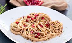 Pasta mit Speck und Granatapfel