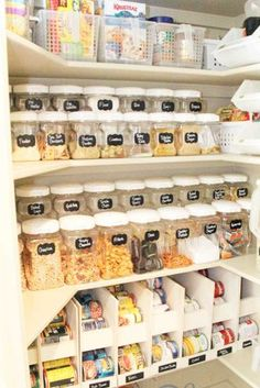 Best Ideas of Pantry Organization for Ease of Use ★ See more: http://glaminati.com/pantry-organization-ideas/