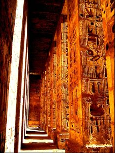 Temple of Luxor - Egypt Home sweet home Ancient Ruins, Ancient Art, Ancient History, Monuments, Ancient Egyptian Architecture, Ancient Buildings, Places Around The World, Around The Worlds, Cairo