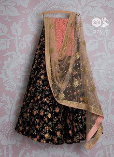 Indian Bridal Dress Royals Lehenga Choli 63 Ideas For 2019 Party Wear Lehenga, Bridal Lehenga Choli, Indian Lehenga, Party Wear Dresses, Bridal Dresses, Ghagra Choli, Work Dresses, Indian Fashion Dresses, Indian Designer Outfits