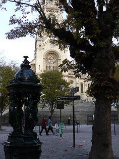 Notre-Dame-de-la-Croix, Place de Ménilmontant, 20 arrondissement