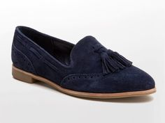 Did you catch a glimpse of April's Dolce Vita suede loafers? A great wardrobe staple. | Chasing Life