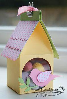 Stampin' 'n Stuff: Cute little bird houses - Modern Design 3d Paper Projects, 3d Paper Crafts, Easter Projects, Easter Crafts, Creative Wedding Favors, Wedding Favor Boxes, Spring Crafts, Bird Houses, Diy For Kids