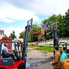 Is that regulation height? #forklift