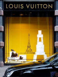 LOUIS VUITTON. CLEAN AND CHIC