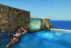 Modern-hotel-Greece