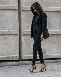 All black  @johannaeolsson