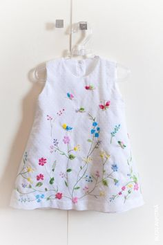 Embroidery Baby Clothes Little Girls 19 Ideas painting Little Dresses, Little Girl Dresses, Little Girls, Girls Dresses, Sewing For Kids, Baby Sewing, Toddler Dress, Baby Dress, Kids Frocks