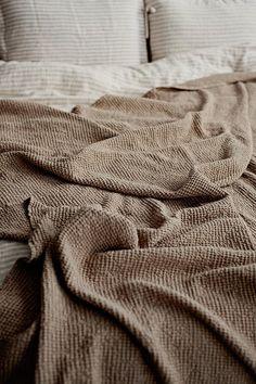 Linen blanket in Beige waffle pattern. Linen throw blanket. | Etsy