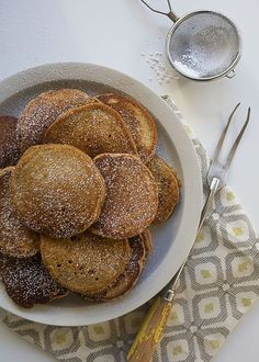 Gingerbread Pancakes / www.acozykitchen.com