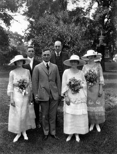 Harry and Bess Truman Wedding Party. At the war's conclusion, Truman was mustered out as a captain; he returned to Independence, and married Bess Wallace on June The couple had one child, Mary Margaret. Presidents Wives, American Presidents, American History, Vintage Wedding Photos, Vintage Photos, Antique Photos, Presidential History, Here Comes The Bride, Belle Photo
