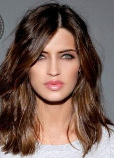 New hair cuts tendence medium lengths Ideas Pelo Midi, Medium Hair Styles, Short Hair Styles, Haircut And Color, Super Hair, Protective Hairstyles, Great Hair, Looks Style, Gorgeous Hair