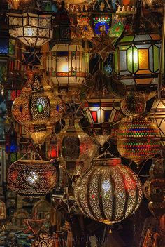 At The Souk  #Morocco is the setting for Garment of Shadows, a Mary Russell and #SherlockHolmes #mystery by Laurie R. King.
