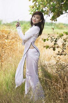 9850654404_88942676a1_b   Áo Dài Lung Thị Linh   Flickr