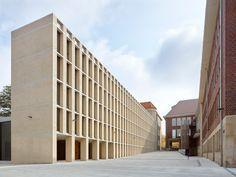 Office Building Awarded the BDA-Preis NRW 2018 / And the winner is … – Architecture and Architecture … Architecture Design, Library Architecture, Minimalist Architecture, Religious Architecture, Architecture Tattoo, Architecture Interiors, Architecture Religieuse, Design Minimalista, Stone Facade
