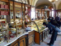 Pastelería Le Tulipe, te informa: En Europa durante el siglo XIX  disfruta la pastelería de un gran crecimiento, con la presencia de pastelerías modernas, la gente se sentía atraída por esta nueva forma de presentar la repostería.