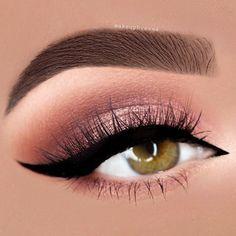 Universal Ideas For Soft Rose Gold Makeup ★ See more: https://makeupjournal.com/rose-gold-makeup/
