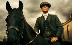 [VIDEO]Netflix acquires first two seasons of UK period crime drama 'Peaky Blinders' starring Cillian Murphy, Tom Hardy Peaky Blinders Saison, Peaky Blinders Series, Cillian Murphy Peaky Blinders, Gangsters, Tom Hardy, Sunderland, A Double Tranchant, Peaky Blinders Wallpaper, Steven Knight