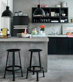 Browse photos of Small kitchen designs. Discover inspiration for your Small kitchen remodel or upgrade with ideas for organization, layout and decor. Industrial Kitchen Design, Kitchen Interior, New Kitchen, Kitchen Ideas, Urban Industrial, Kitchen Inspiration, Kitchen Small, Vintage Industrial, Industrial Kitchens