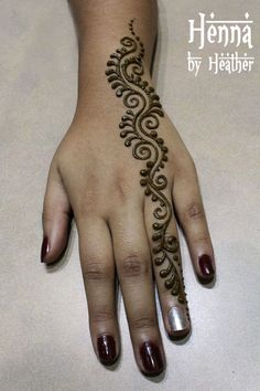 Explore latest Mehndi Designs images in 2019 on Happy Shappy. Mehendi design is also known as the heena design or henna patterns worldwide. We are here with the best mehndi designs images from worldwide. Henna Tatoos, Henna Ink, Henna Body Art, Mehndi Tattoo, Arm Tattoo, Tattoo Art, Henna Mehndi, Mandala Tattoo, Henna Style Tattoos