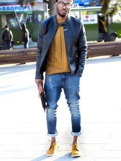 Outfit: Leather Jacket Cableknit Sweater Rolled Up Jeans Coloured Derbys Colour Coordination