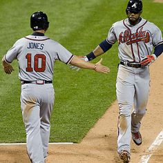 Jason Heyward hits a 2 run homer in the top of the 12th! Braves win!