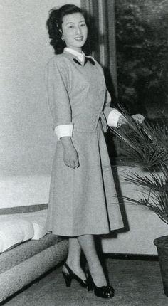 昭和25年、第1回ミス日本に選ばれた山本富士子(18歳)戦前~戦後のレトロ写真(@oldpicture1900)さん | Twitter