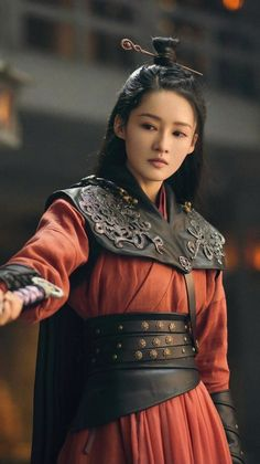 The Dark Knight Poster, Warrior Girl, Girls Characters, Hanfu, Hollywood Actresses, Costume Design, Traditional Outfits, Asian Beauty, Asian Girl