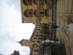 Parte trasera de la Catedral y la oficina de Turismo.