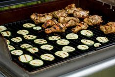 Thinking of hosting a BBQ? We've got some healthy summer recipes and tips to make your BBQ with family and friends absolutely guilt-free and delicious! Healthy Fats, Healthy Choices, Barbecue Recipes, Bbq, Body Ecology Diet, Veggie Skewers, Healthy Summer Recipes, Food Combining, Eating Organic