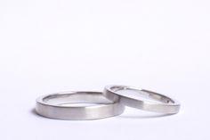 Alianças Bauhaus P - Alianças lisas em acabamento fosco. #joiasliê #weddingrings