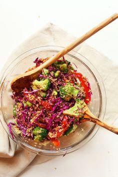 HEALTHY asiatisch inspirierte Quinoa-Salat in 30 Minuten!  Voll von Eiweiß, Ballaststoffen und GESCHMACK!  #vegan #glutenfree #salad #Recipe