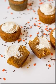 Caramelized White Chocolate Truffle Pumpkin Cupcakes - A must for Thanksgiving (or really just because)