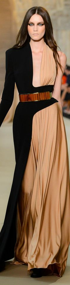 Stephane Rolland couture                                                       …