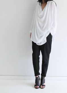 ●●fuzz asks: Does anyone know who designed this shirt? Want to see cut & -design.●● Death by Elocution Mode Masculine, Death By Elocution, Love Fashion, Fashion Outfits, Fashion Tips, Net Fashion, Daily Fashion, Street Fashion, Simple Style