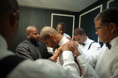 """Praying before he says """"I Do""""... <3...SOmeBodY please take a picture of this powerful moment!!"""