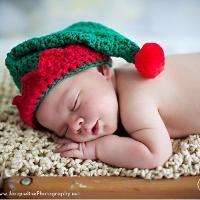Santa's Little Elf Hat - via @Craftsy