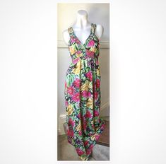 Size 8: long Floral dress AVAILABLE