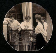Edwardian ladies gossip together, ca. 1900s