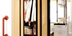 Solve your small-space dilemmas with these simple solutions for bathrooms. Small Bathroom Organization, Ideas Para Organizar, Small Spaces, Beautiful Homes, Simple, Closet, Home Decor, Decoration Home, Home Decoration